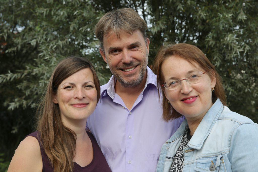 vlnr: Marieke van Bijnen (PvdA), Edo Haitsma (VVD) en Sylvia Markerink (D66)